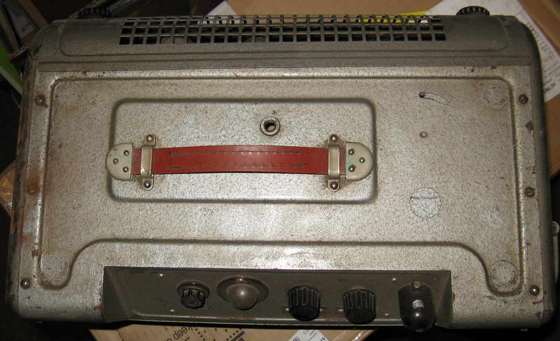 2. Усилитель КИНАП 90У-2 (вид сверху) .